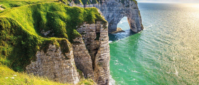 Etretat Felsen Normandie klein iStock637817530
